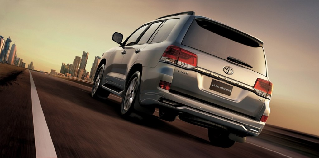 Toyota Land Cruiser 200 rear