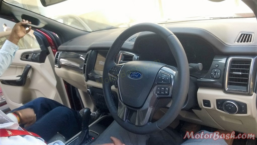 New-2016-Ford-Endeavour-Pics-dashboard