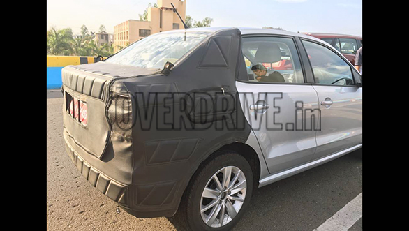 Volkswagen Ameo Compact Sedan Pics rear