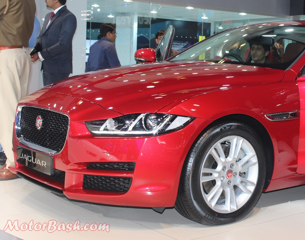 Jaguar XE India Launch Pics Front Red Auto Expo 2016 (2)