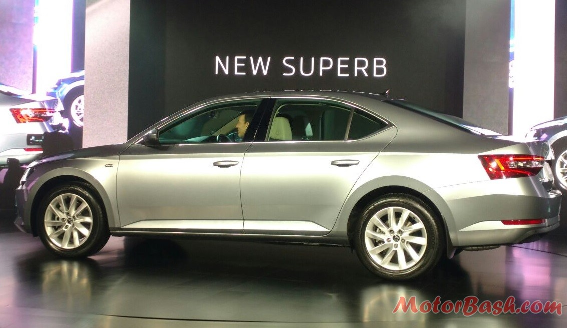 New 2016 Skoda Superb Pic India (2)