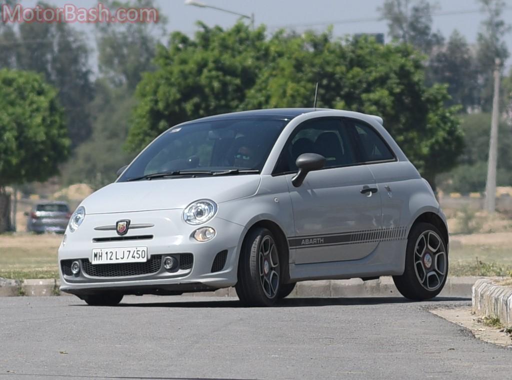 Fiat Abarth 595 cornering