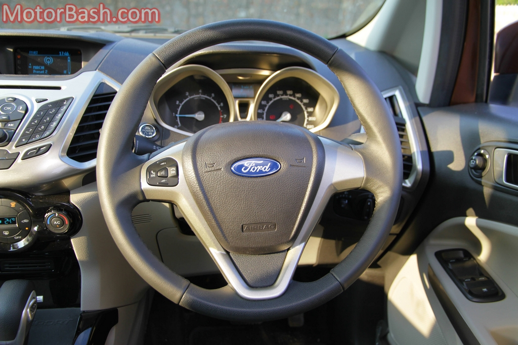 EcoSport multifunction steering wheel