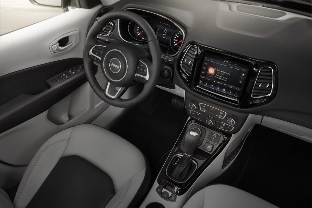 jeep-compass-interiors