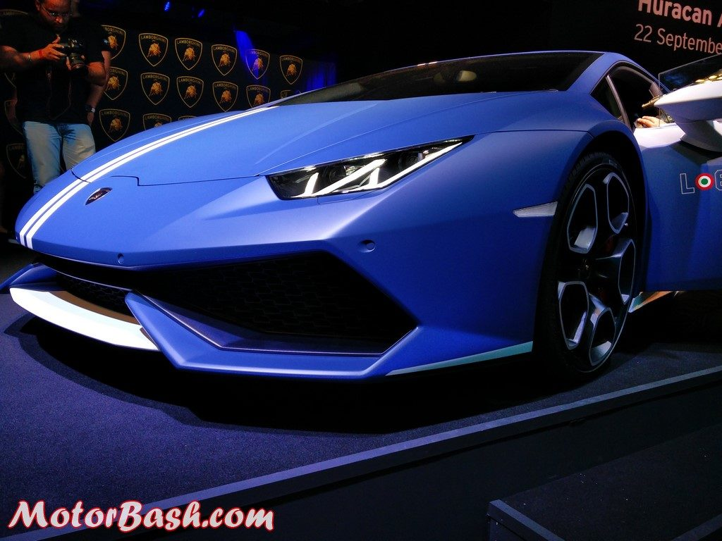 lamborghini huracan avio launched in india for rs crores. Black Bedroom Furniture Sets. Home Design Ideas