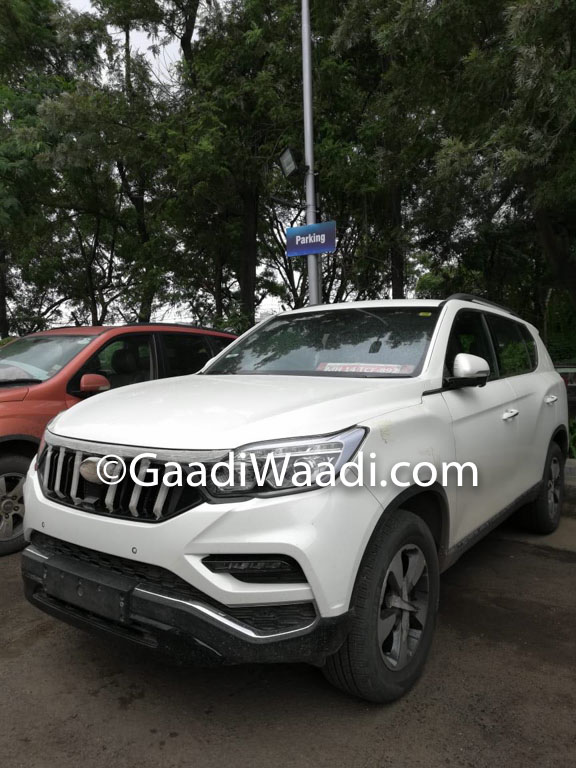 G4 Rexton Based Mahindra Y400 Luxury SUV Features and Launch